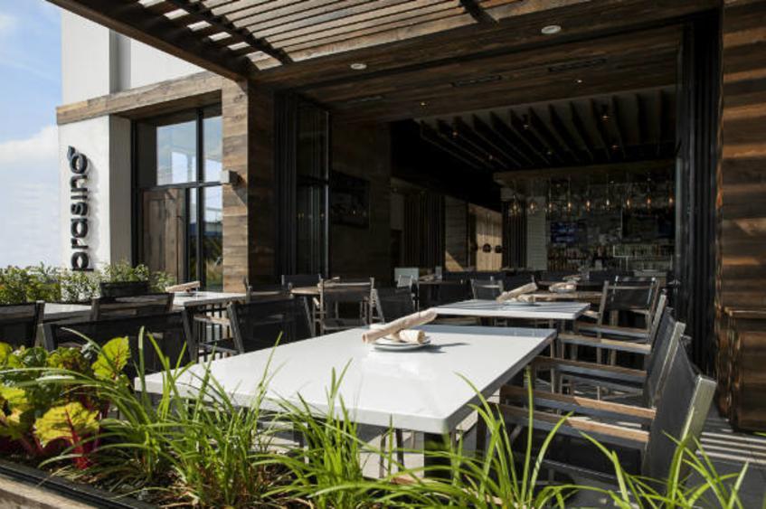 patio dining 1