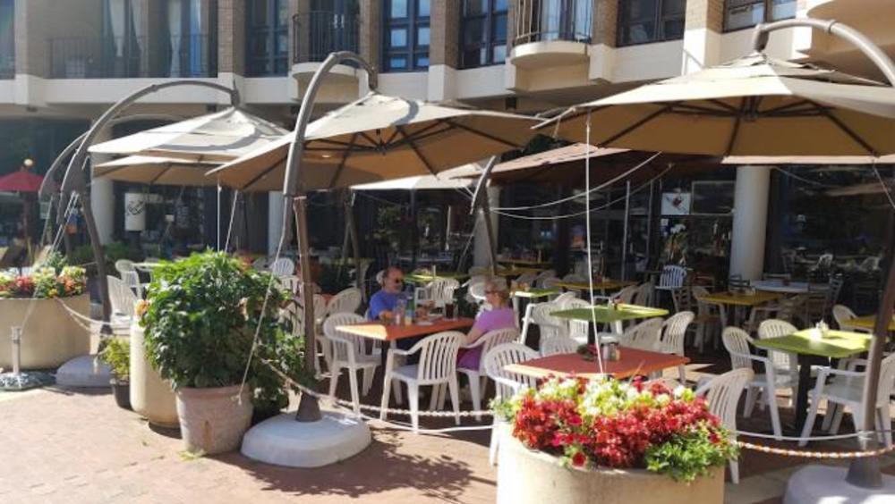 Cafe Montmartre Patio