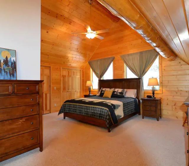 Prospect Woodlands 09 master bedroom
