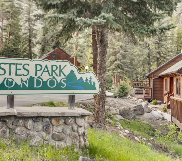 Estes Park Condos Sign