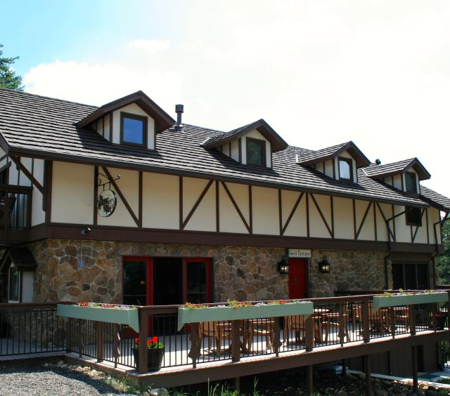 The Lodge Suites