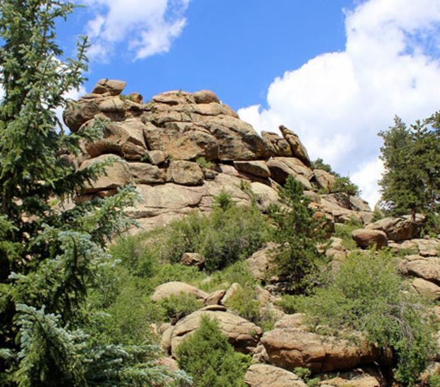 Rock Outcroppings Backing Sunnyside Knoll