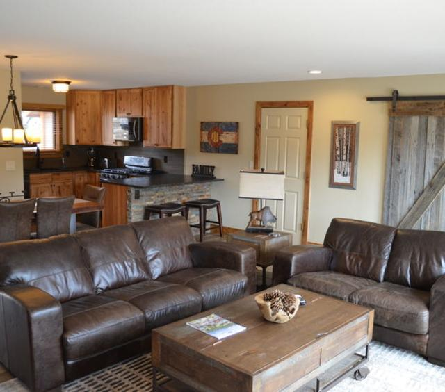 Cliff House - 4 Bedroom Townhome