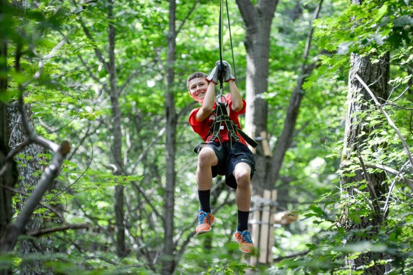 finger-lakes-bristol-mountain-aerial-adventures-canandaigua-zip-line-kids