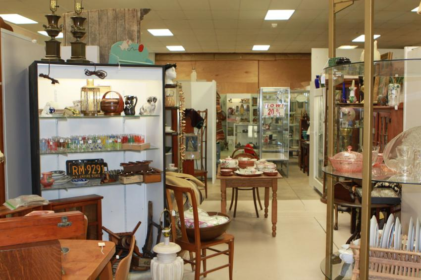 Peddlers Antiques on display