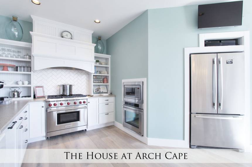 The House at Arch Cape: Kitchen