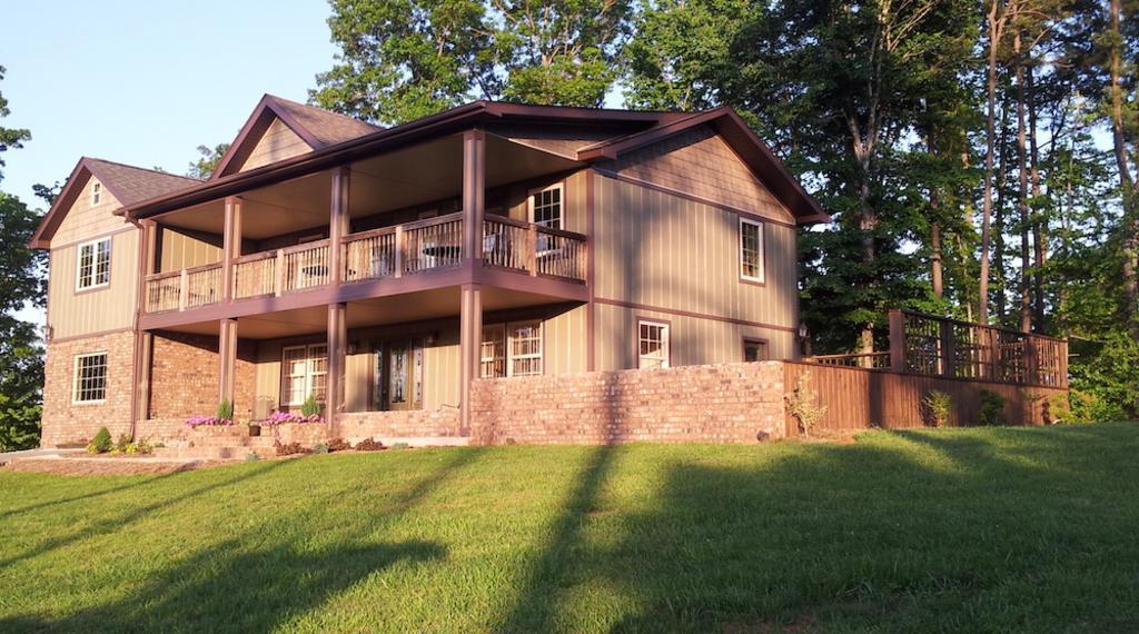 98Acorn_House_Image.jpg