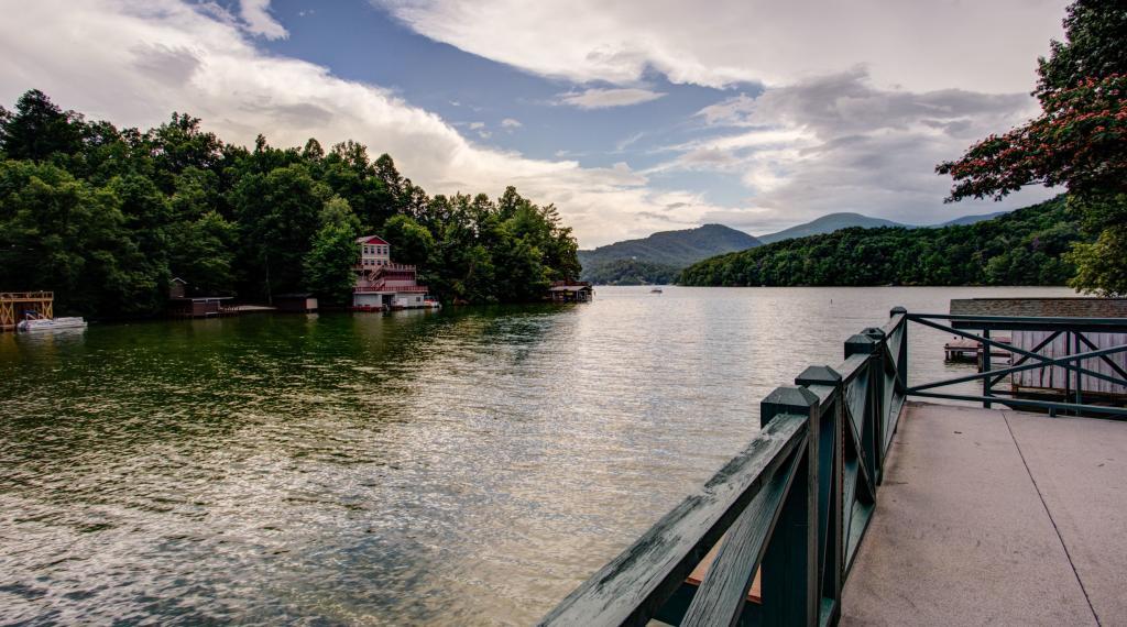 Alluring Lake Cottage