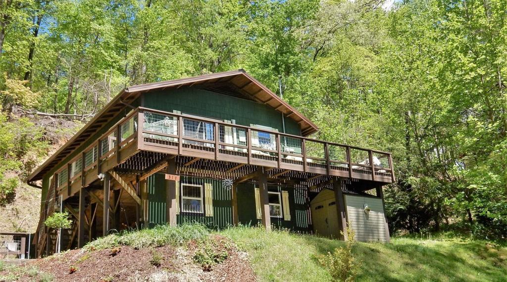 Chimney Bluff Cottage