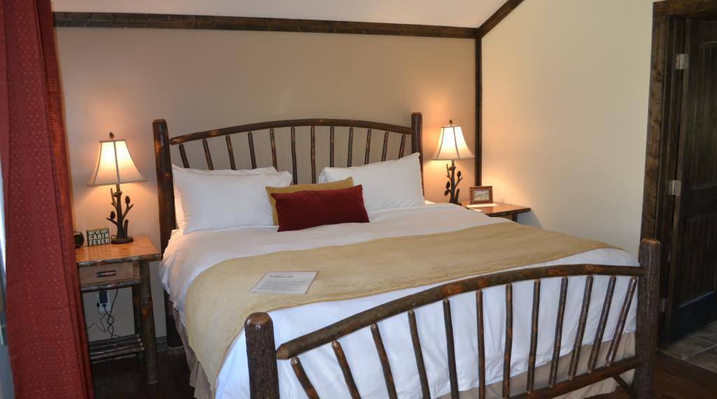 Honeymoon Cottage King Size Bed