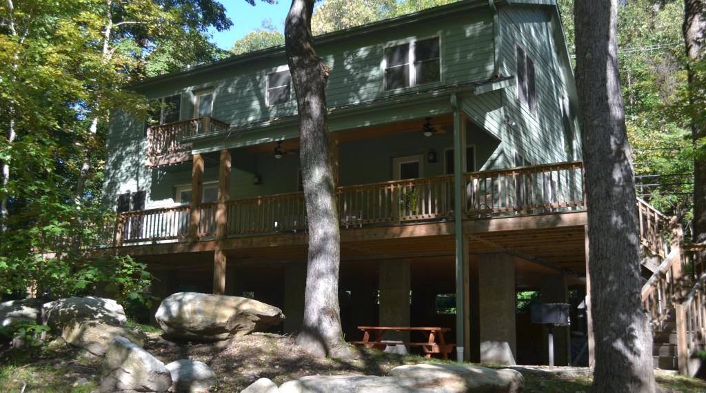 Back View of Chimney Rock River Cabin