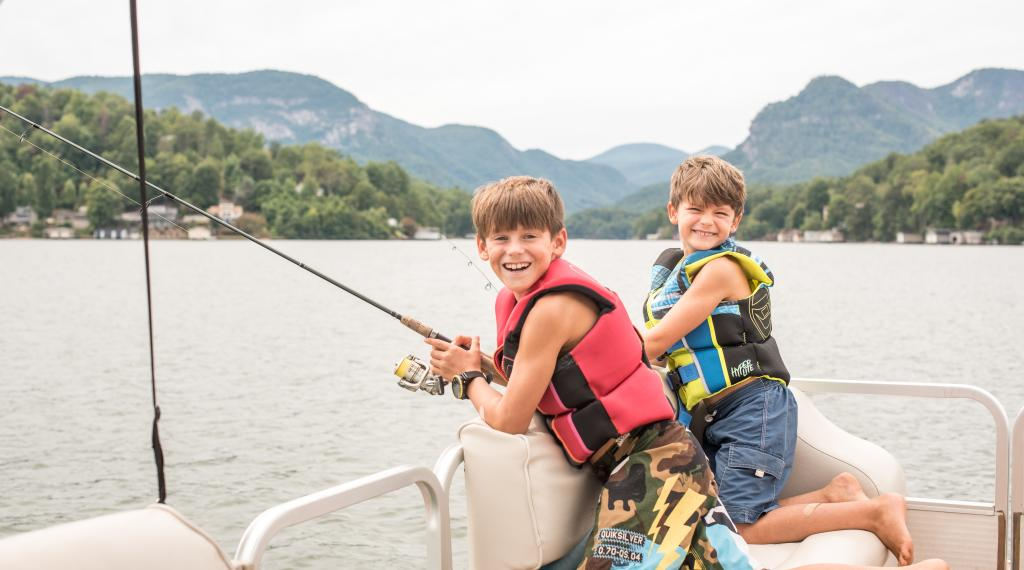 Boat cruise and rentals