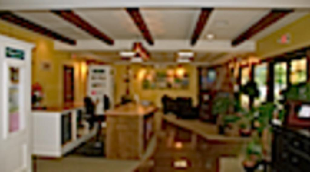 498Welcome_Center_Interior_125x84.jpg
