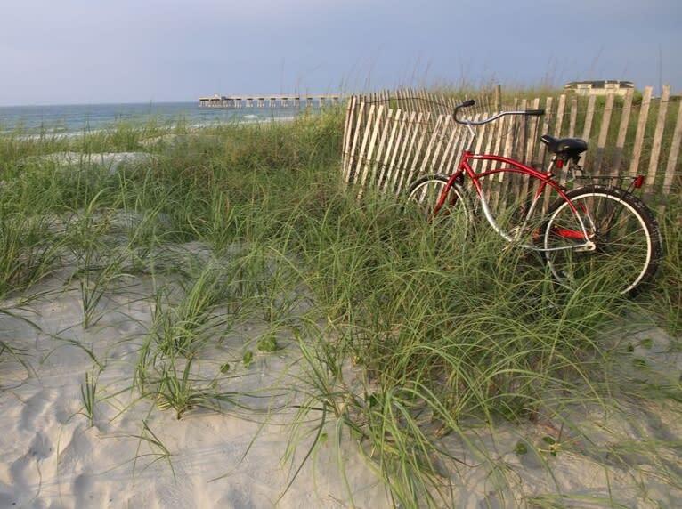 WB Bike by the Beach Bill Russ 2015