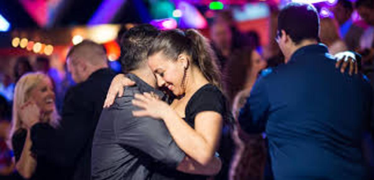 Salsa Dance Knox, two people dancing
