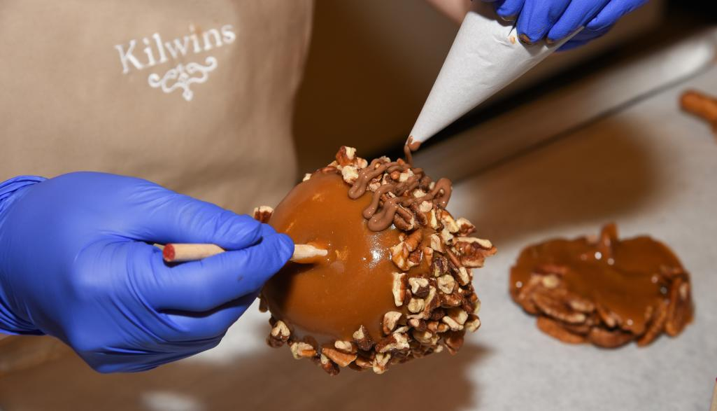 Kilwins Caramel Apple