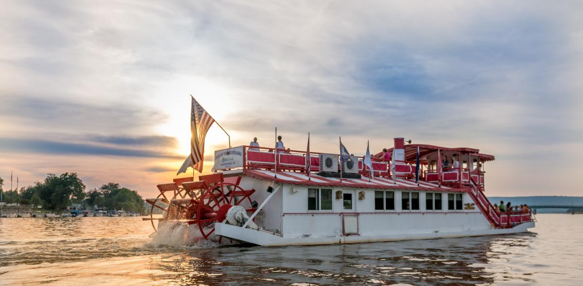 Pride of the Susquehanna River paddle boat photo 2015.