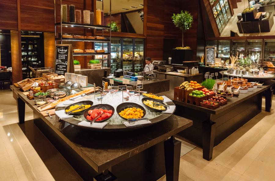 Grand Hyatt Melbourne, Collins Kitchen breakfast buffet