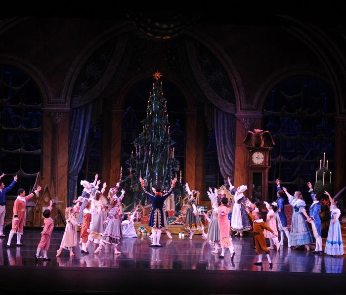 Festival Ballet Theatre's The Nutcracker Opening Tree Scene