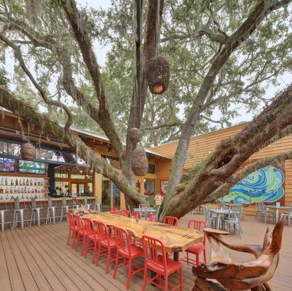 The spacious outdoor deck at Mellow Mushroom on St. Simons Island, GA