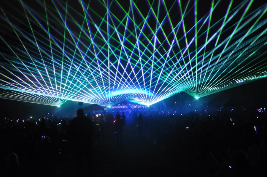 Red White & Lights laser light show