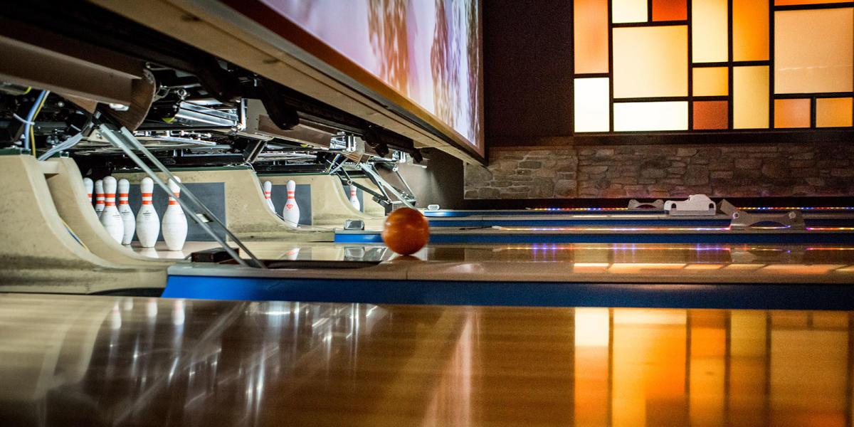 Bowling at Jupiter Bowl
