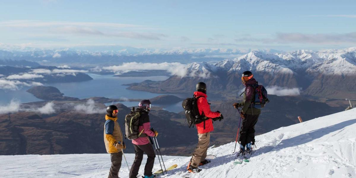 Riding-with-a-view-looking-out-to-the-southern-alps-and-lake-wanaka-from-Treble-Cone