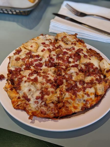 fessler's bbq chicken bacon pizza