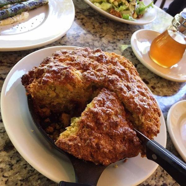 Wednesdays are much better when they include Cast Iron Cornbread.....#skillet #comfortfood #cltnoms #appetizers #diningoutcharlotte #instayum #visitlakenorman #yahoofood #wnc #eatlocalclt  #wedefinefresh #cornbread #delicious #asheville #bestbreadintown #sogood