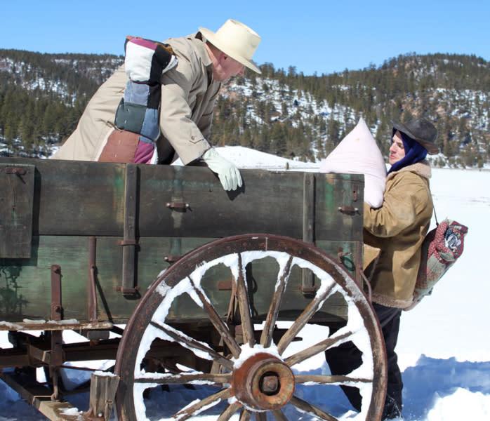 pioneer wagon-flour-men
