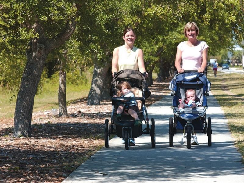 Women with strollers on the Wrightsville Beach Loop