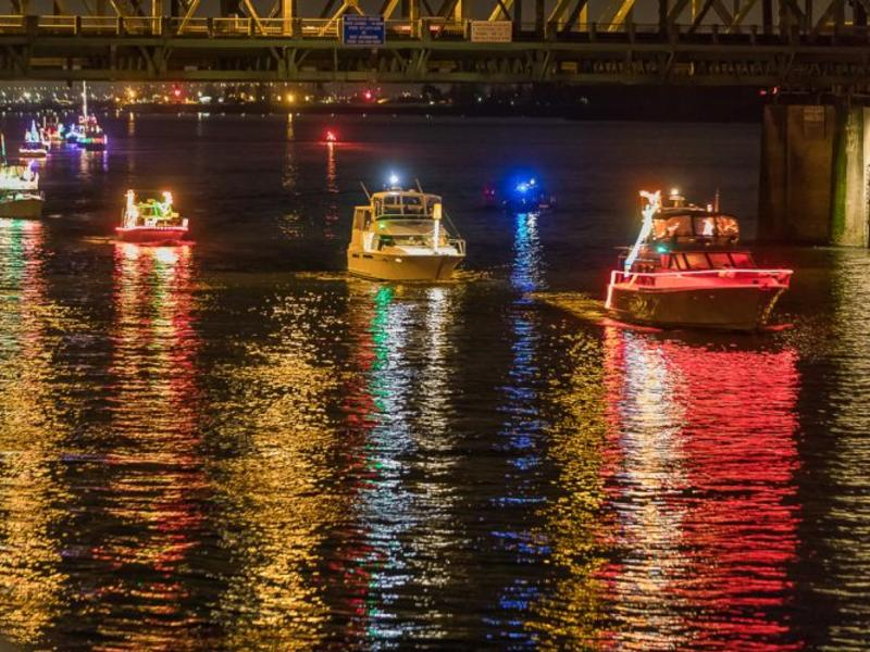Christmas Boats Portland 2019.Christmas Ships Parade