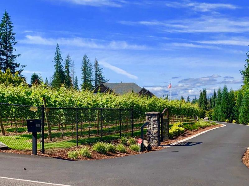 Columbia Ridge Winery
