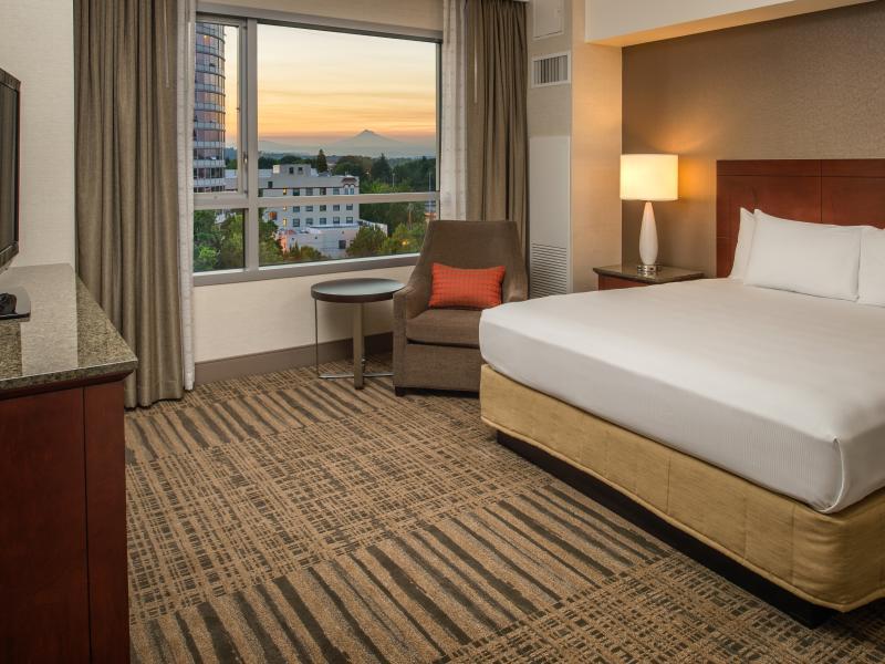 Hilton Vancouver room