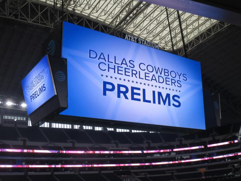 Dallas Cowboys Cheerleaders prelims sign