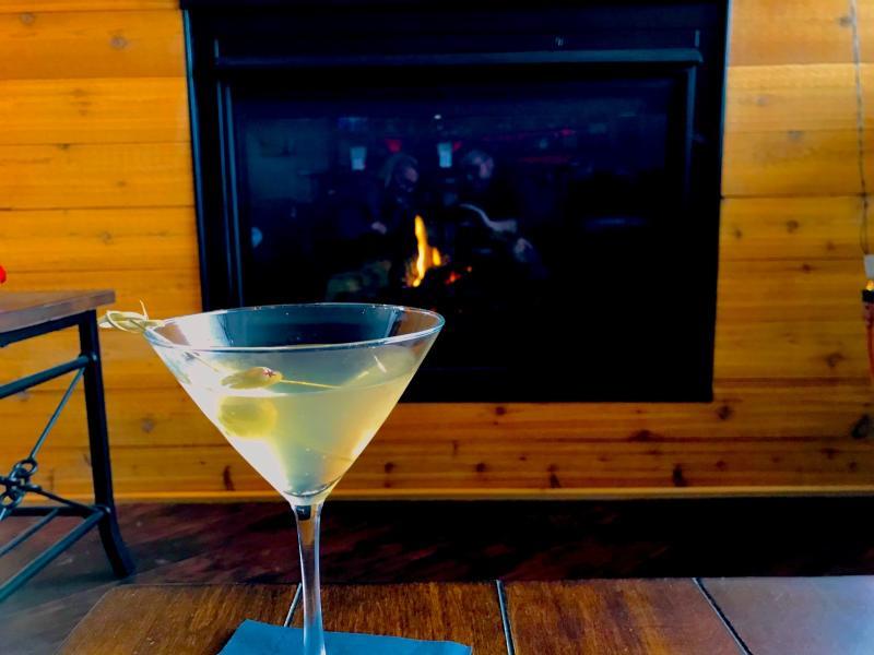 Michigrain fireplace and martini