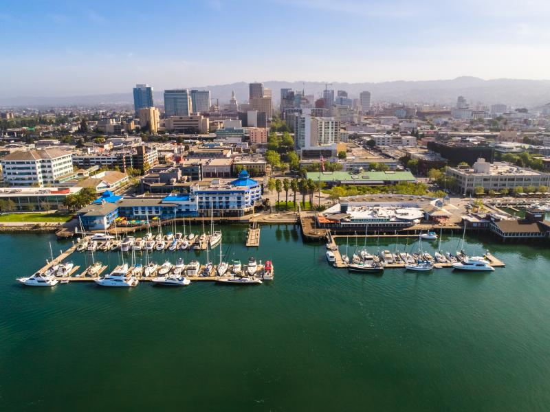 The Oakland waterfront offers many picturesque meeting places like Jack London Square and Waterfront Hotel