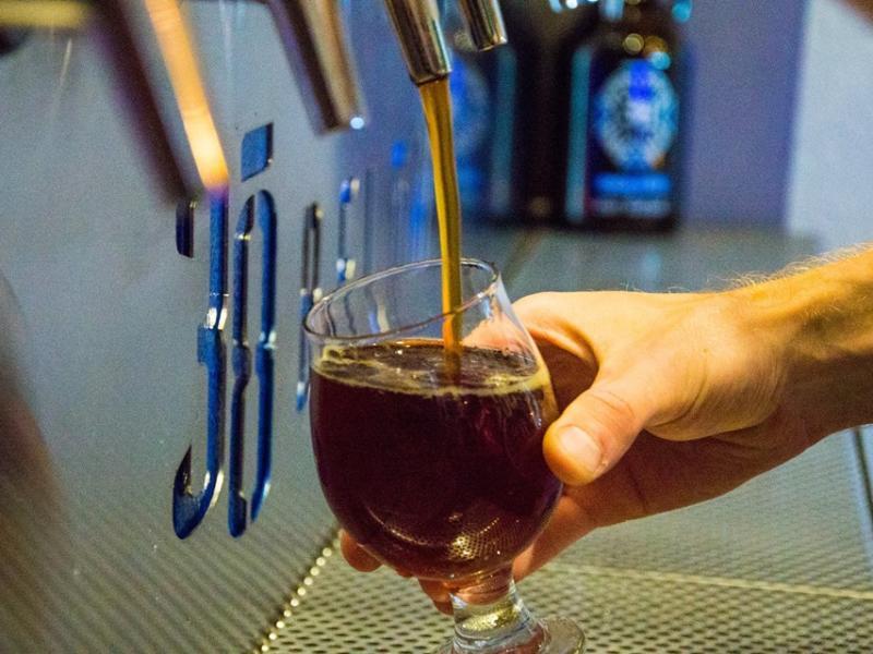 38 Below beer pour