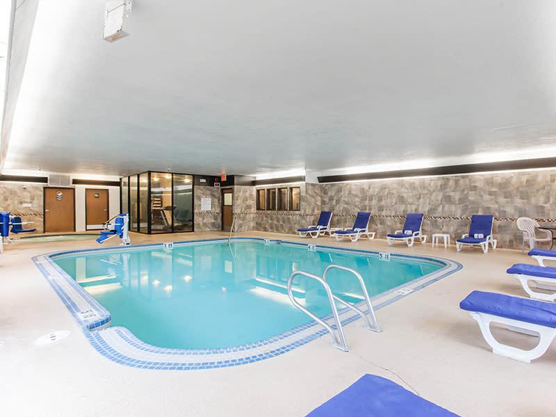 Comfort Suites Van Mall Pool