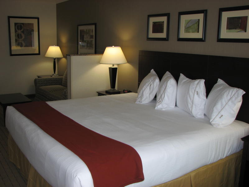 Holiday Inn Van Mall