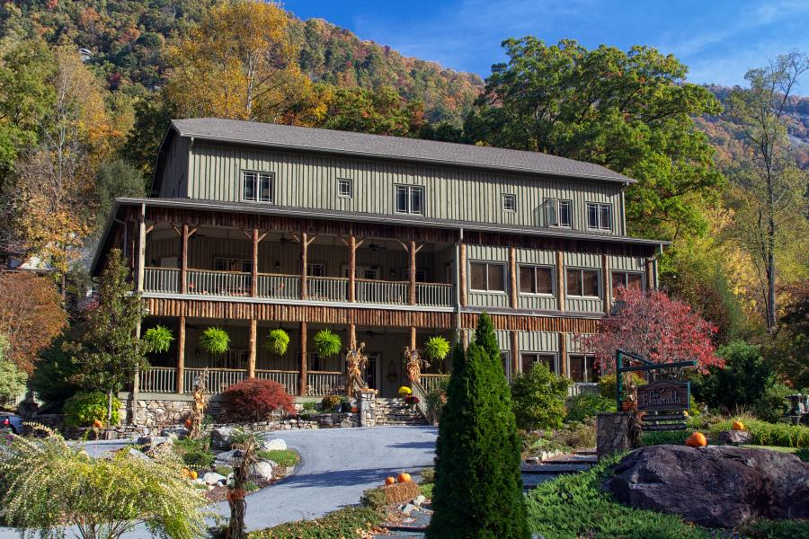 Esmeralda Inn in Chimney Rock, NC
