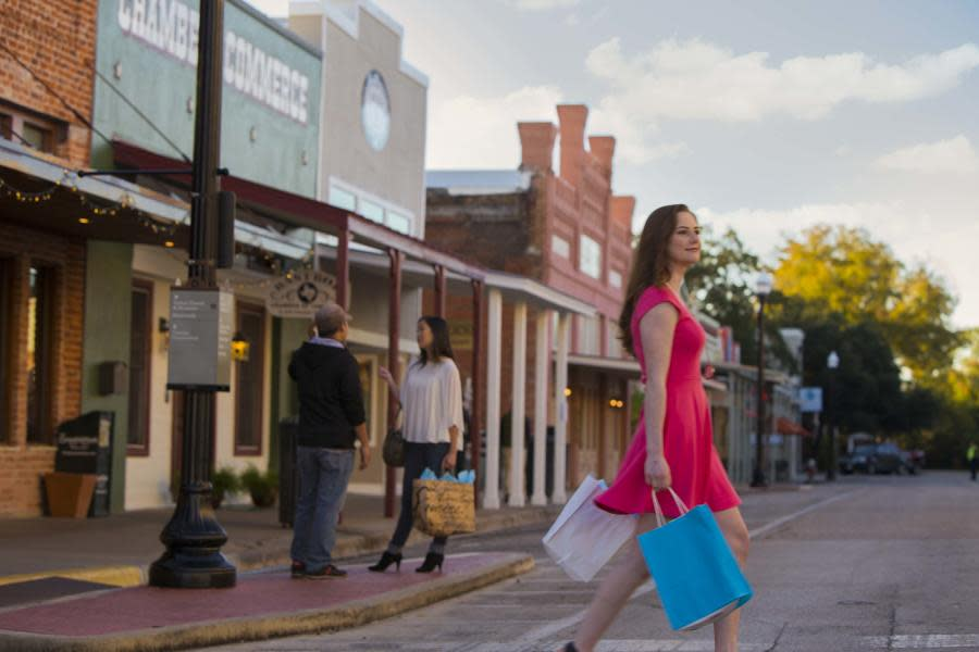 Bastrop_Downtown_Shopping_1