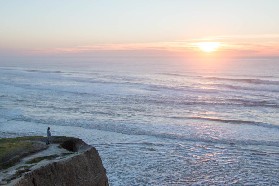 Person_Admiring_Sunset_Pescadero_Coast_by_LudmilaHofman_SanMateoCounty_SiliconValley