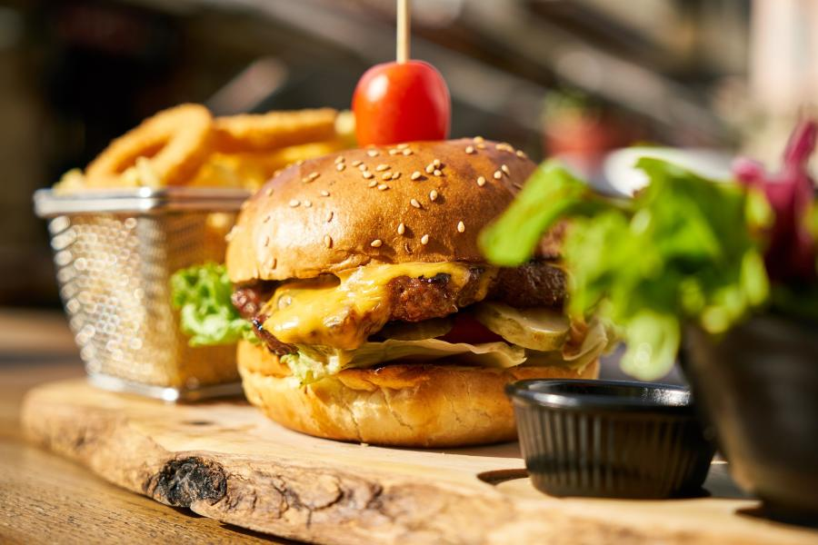 Burger-with-fries-plate