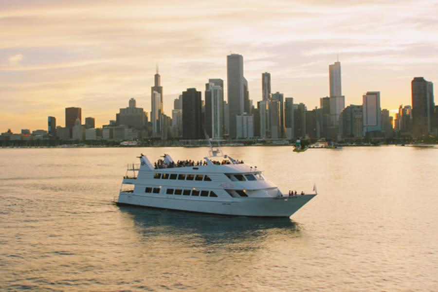Chicago Elite Private Yacht Charter and Brunch Navy Pier
