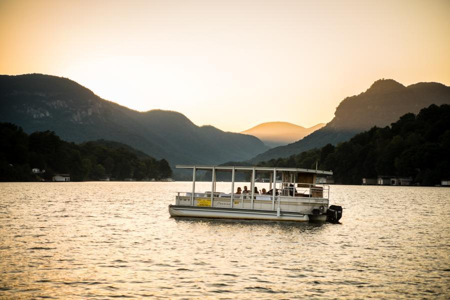 Romantic Dinner Cruise on the Lake