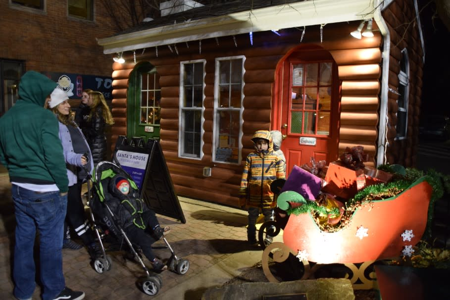 Doylestown Tree Lighting Cabin