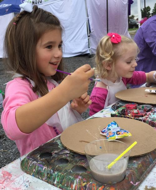 Kids painting at Oktoberfest