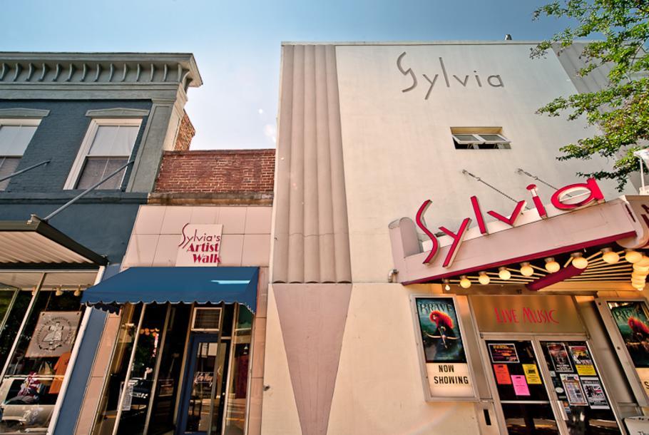 Sylvia-Theater-1.jpg