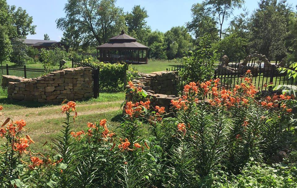 Visit SI Gardens